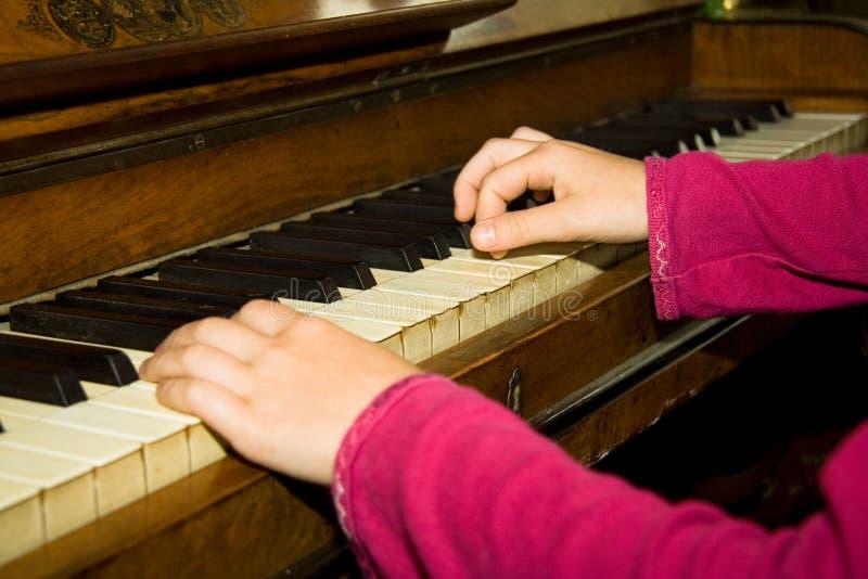 De lessen van de piano royalty-vrije stock afbeeldingen