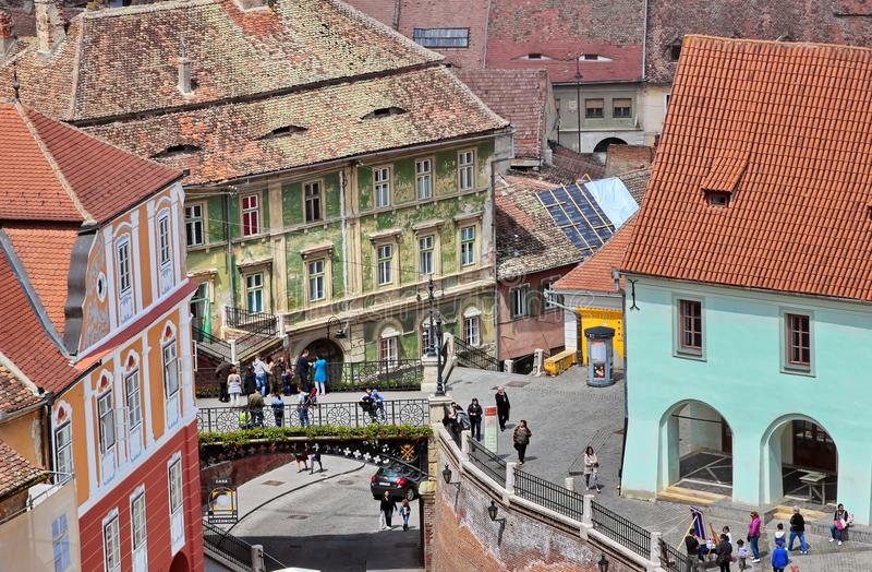 De leugenaars overbruggen in Sibiu stock foto's