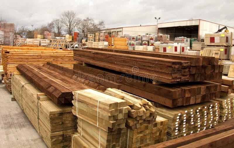 De levering van het hout en van de bouw stock foto's