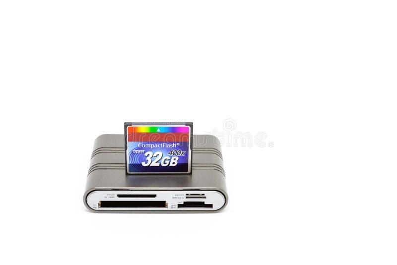 De lezer van de Usbkaart en compacte flits 32 GB van de geheugenkaart stock afbeelding