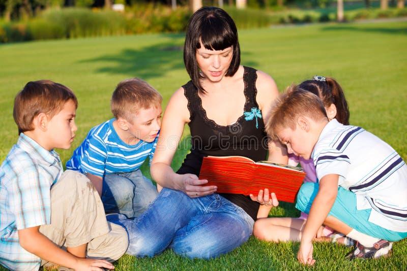 De lezing van de leraar royalty-vrije stock afbeelding