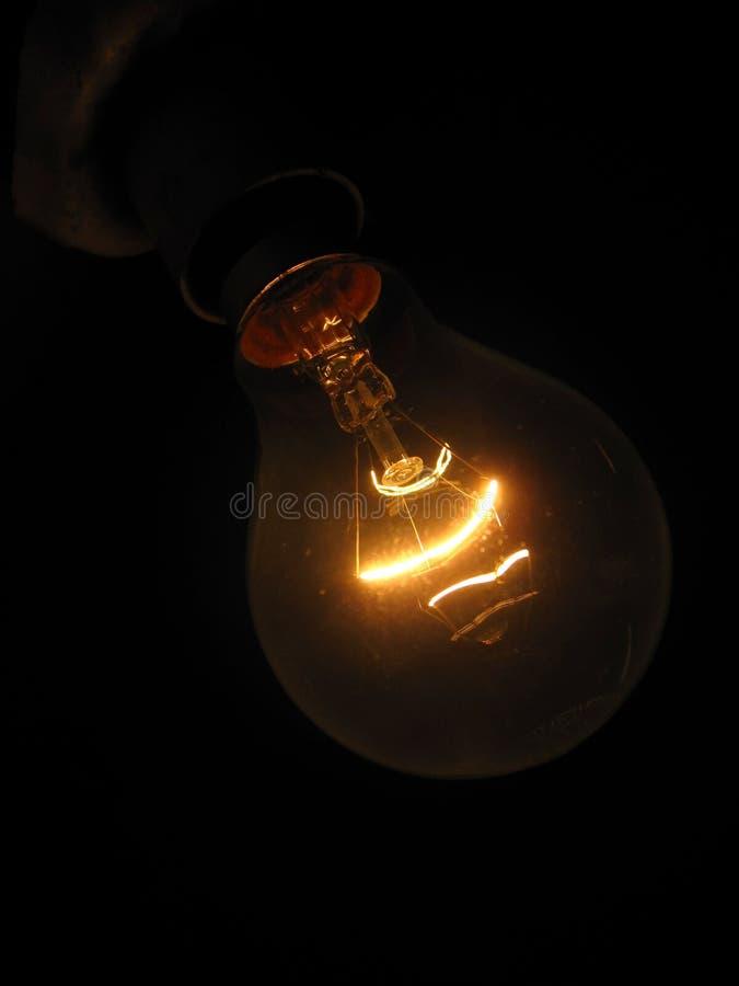 De licht-bol van het wolfram die op wit wordt geïsoleerdr stock fotografie