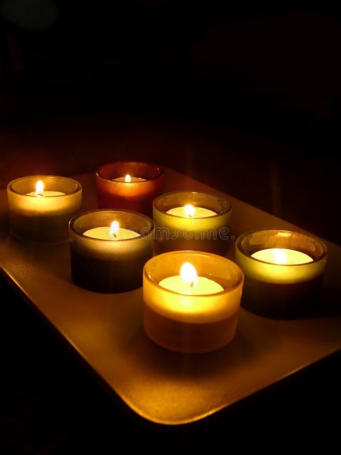 De lichte kaarsen van de thee royalty-vrije stock afbeeldingen