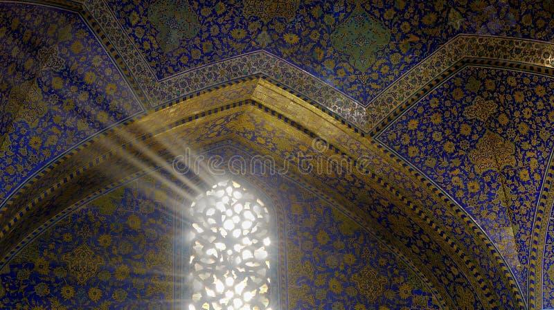 De lichte stralen van de moskee stock afbeelding