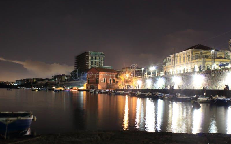 De lichten in de nacht Granatello, Portici, Italië royalty-vrije stock afbeelding