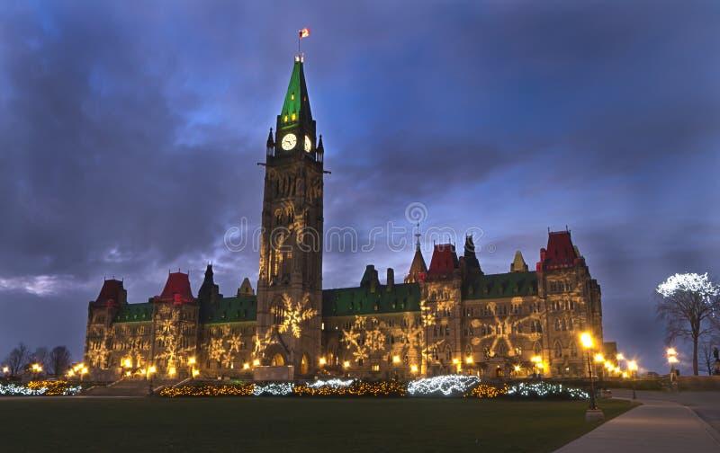 De Lichten van Kerstmis op het Parlement in Ottawa royalty-vrije stock foto