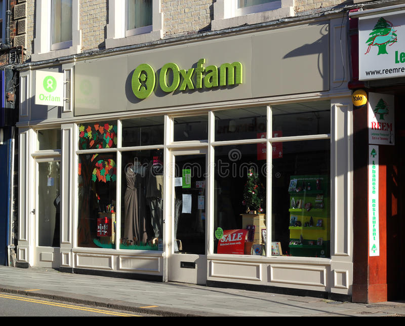 De liefdadigheidswinkel van Oxfam. stock foto