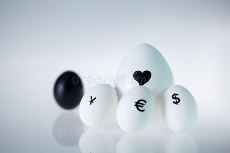 De liefde is groter dan geld stock foto's