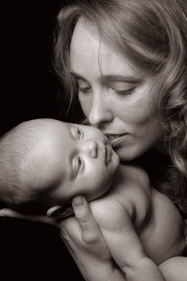 De liefde van de moeder `s stock afbeeldingen