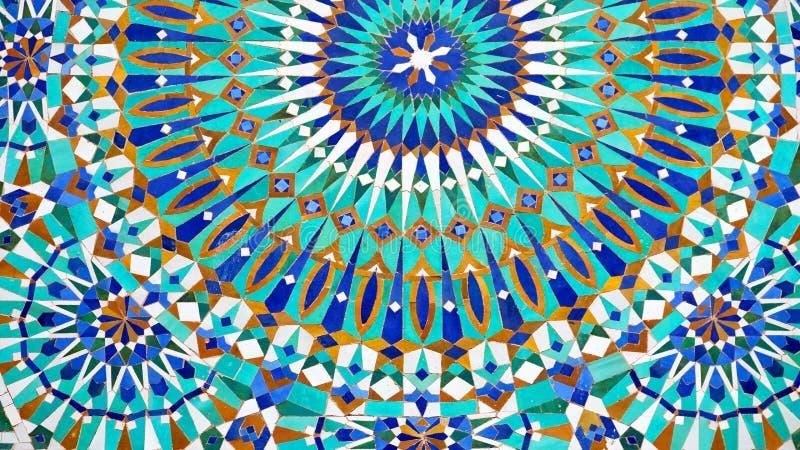 de lijn in de oude tegel van Marokko Afrika en colorated vloer ceramische abst stock afbeelding