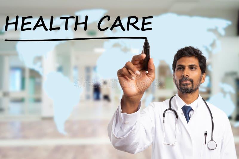 De lijn van de dokterstekening in het kader van gezondheidszorgtekst stock foto