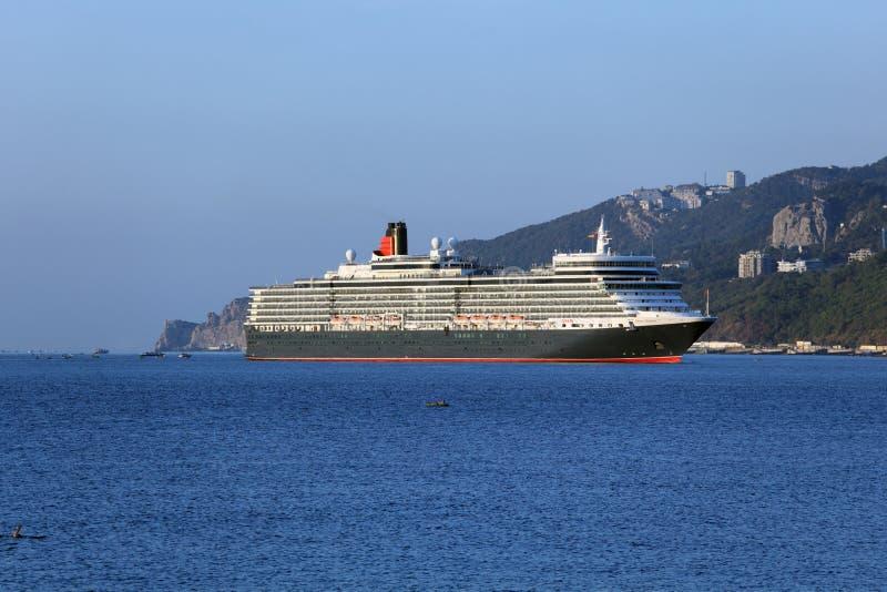 De lijnboot van koningin Elizabeth in Yalta, de Oekraïne stock foto's