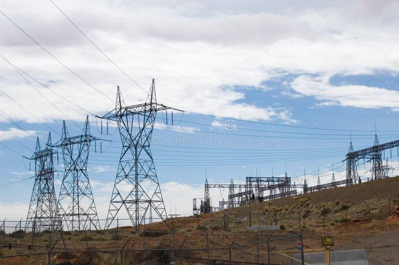 De lijnen van de elektriciteit stock afbeeldingen