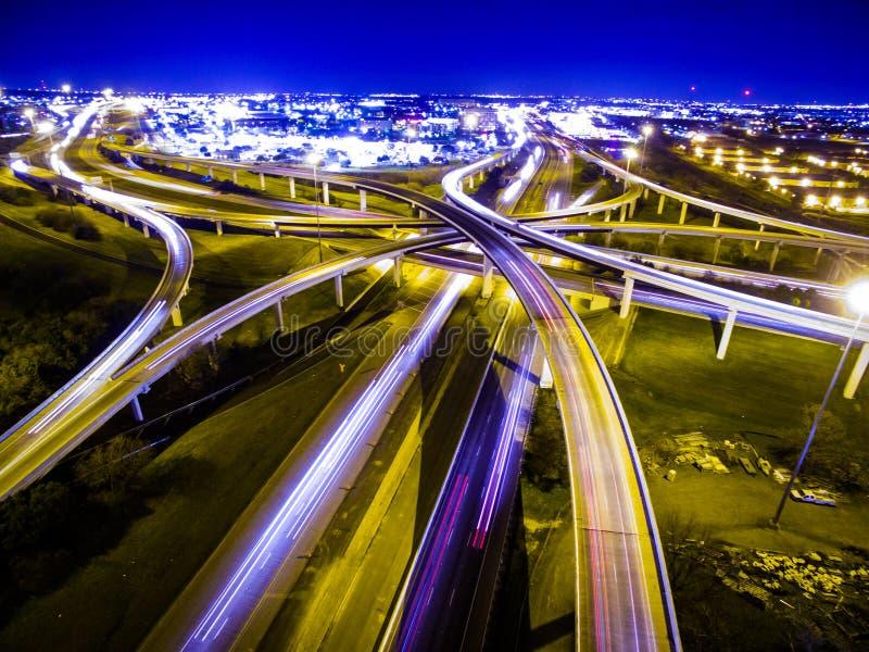 De lijnenuitwisseling Austin Traffic Transportation Highway van snelheids van Licht Wegen stock afbeeldingen