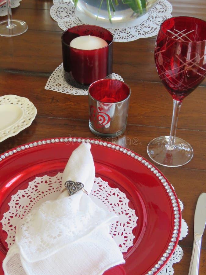 De lijst van het de Dagdiner van Valentine die voor twee wordt geplaatst -- hoe romantisch royalty-vrije stock foto