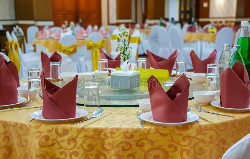 De lijst van het hotelrestaurant het plaatsen royalty-vrije stock afbeelding