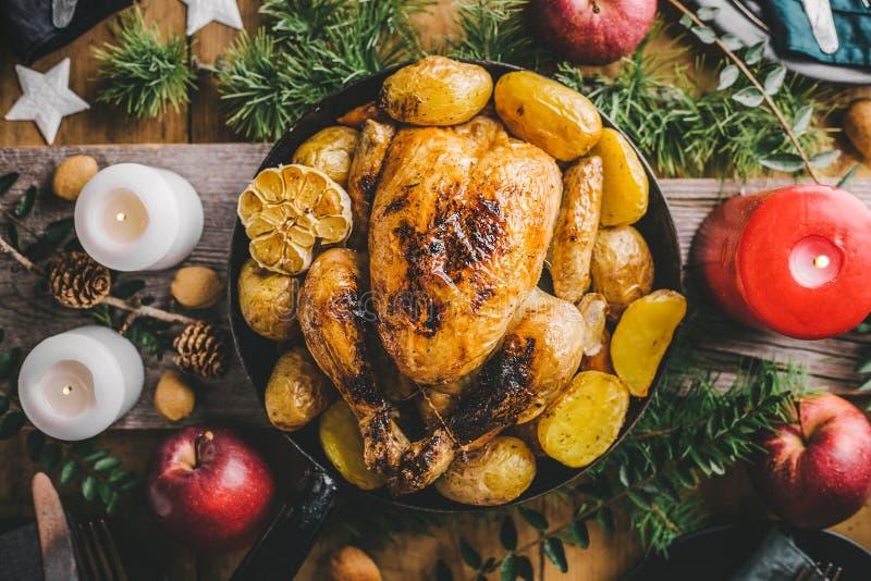 De lijst van het Kerstmisdiner met kip royalty-vrije stock foto
