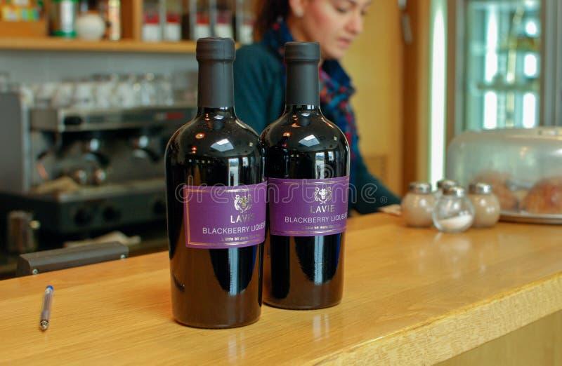 De Likeur van Lavieblackberry bij de Wijnmakerij die van Stroometzion wordt verkocht royalty-vrije stock afbeelding