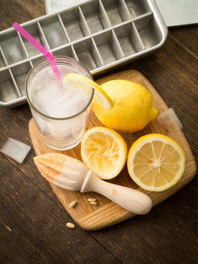 De limonade van de zomer stock afbeeldingen