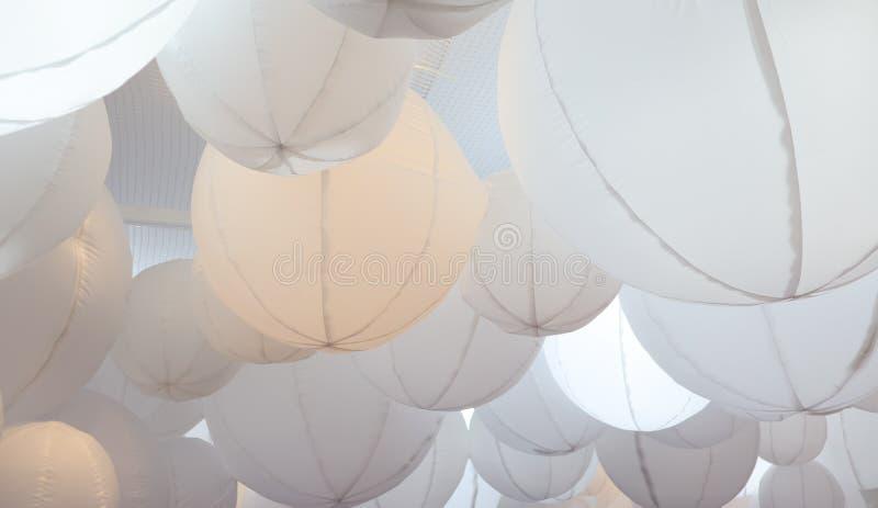 De ljusa ljusa frabic bollarna arkivfoto