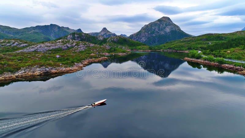 De Lofoteneilanden is een archipel in de provincie van Nordland, Noorwegen stock foto