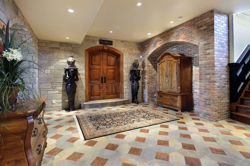 De loungegebied van de kelderverdieping royalty-vrije stock afbeelding