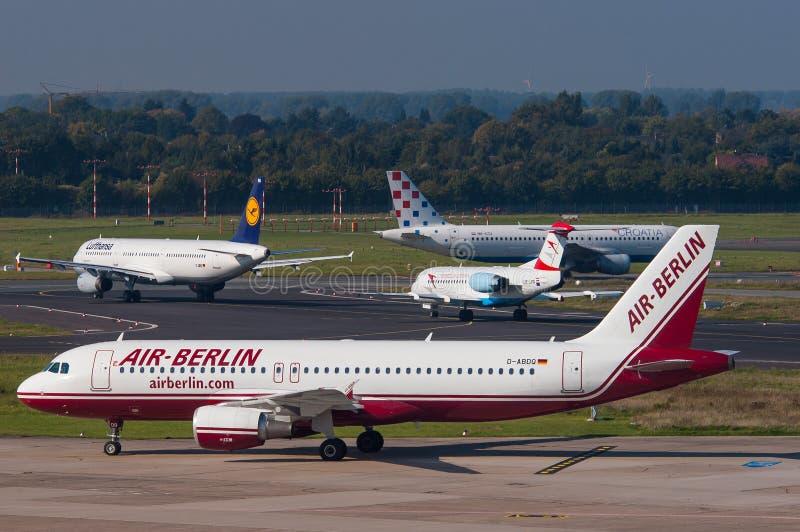 De Luchtbus van Berlijn van de lucht A320 stock foto's
