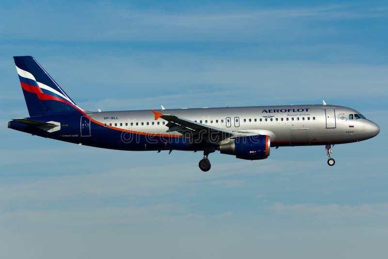 De Luchtbusa320 Vliegtuig van Aeroflot stock foto's