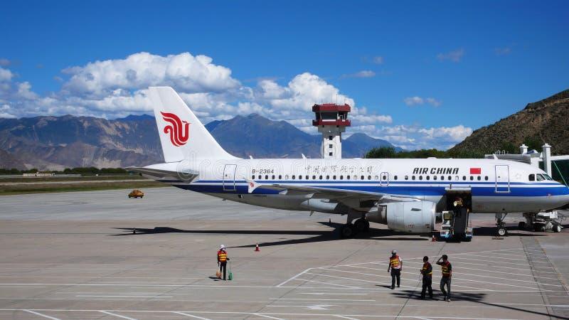 De luchthaven van Lhasa, Tibet stock afbeelding
