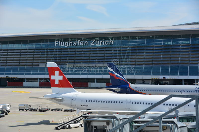 De luchthaven van Zürich in Zwitserland royalty-vrije stock afbeeldingen