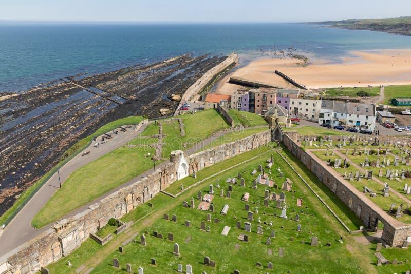 De luchtkathedraal van de meningsruïne dichtbij kust St Andrews, Schotland royalty-vrije stock afbeelding