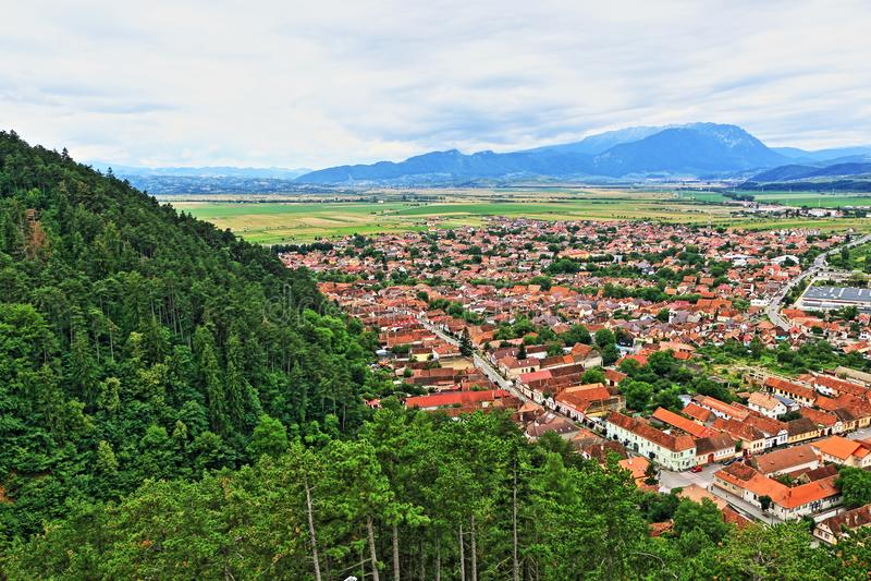 De luchtmening Transsylvanië Centraal Roemenië van de Râșnovstad royalty-vrije stock foto