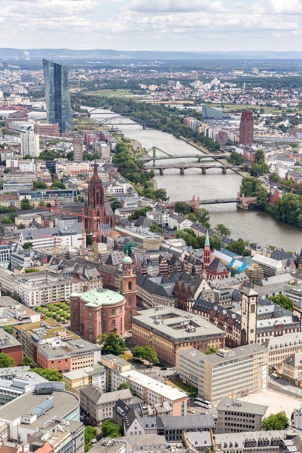 De luchtmening van Frankfurt Duitsland stock afbeelding