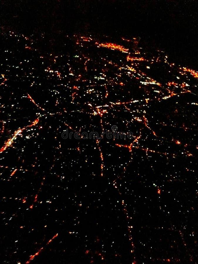 De luchtmening van Singapore bij nacht stock afbeeldingen