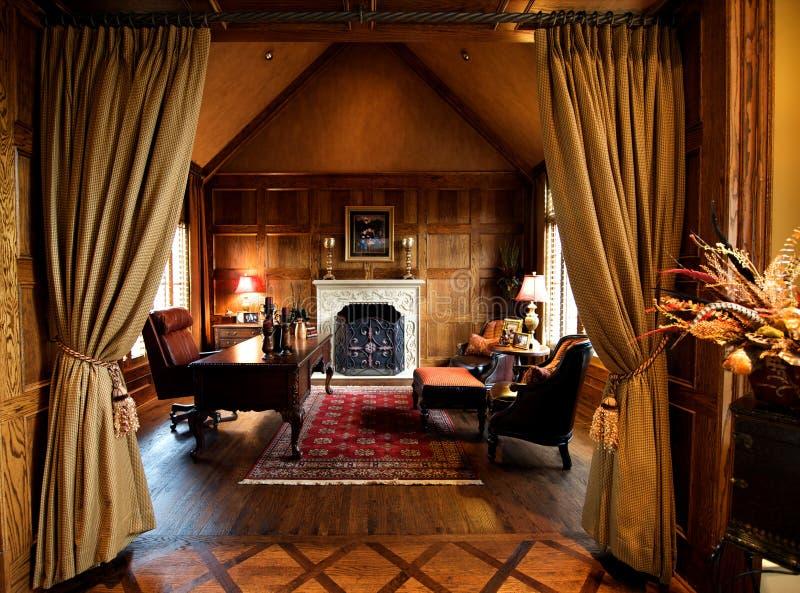 De luxueuze ruimte van het huisbureau stock foto's
