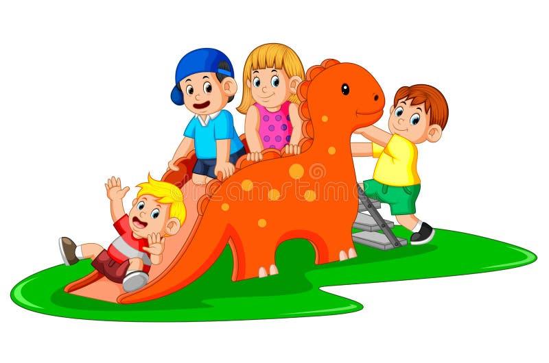 De lyckliga barnen som spelar dinosaurien, glider och några av dem klättring stegen royaltyfri illustrationer