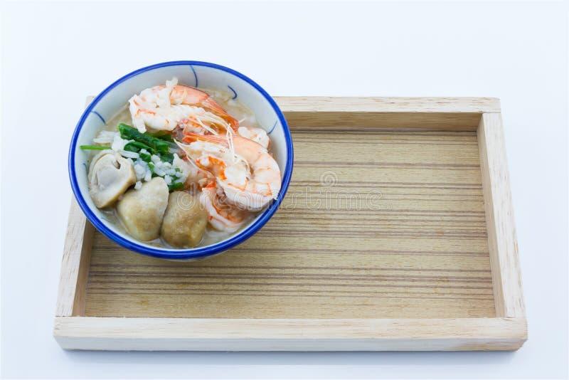 De maïsmeelpap voegt garnalen, paddestoelen, peper, voedsel Thailand, Thailand Onderzoek toe stock foto