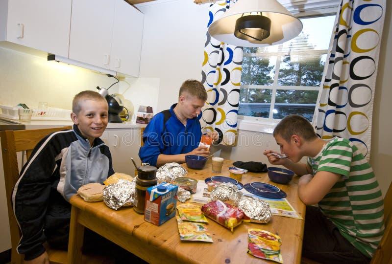 De maaltijd van het kamp stock foto