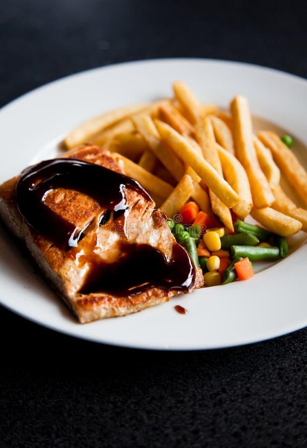 De maaltijd van het zalmlapje vlees stock afbeelding