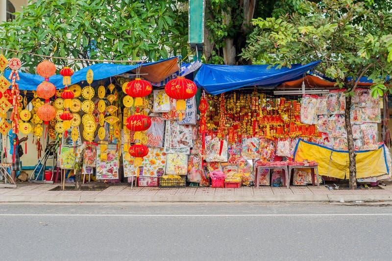 De maan nieuwe voorwerpen van de jaar gelukkige decoratie de woorden betekenen beste wensen en goed geluk voor het komende Vietna royalty-vrije stock foto's