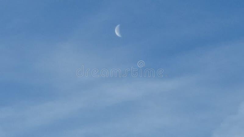 De maan van de dagtijd royalty-vrije stock afbeeldingen