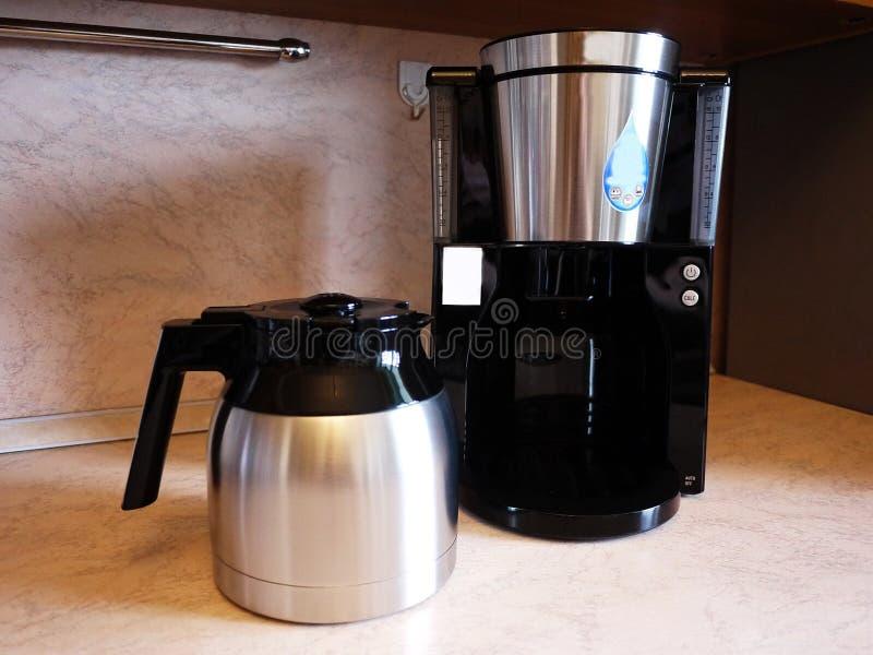 De machine van de druppelkoffie om koffie te brouwen elke dag Kan thuis zijn van toepassing geweest en bureau, royalty-vrije stock afbeeldingen