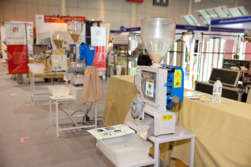 De Machine van het rijstmalen stock foto