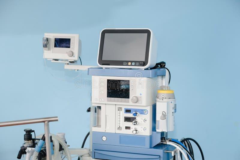 De machine van het verdovingsmiddel Apparaten voor anesthesie Werkende apparaten royalty-vrije stock fotografie