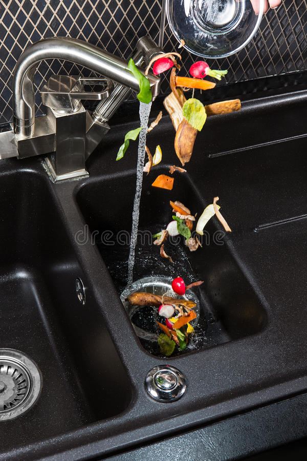 De machine van het voedselafval disposer royalty-vrije stock afbeeldingen