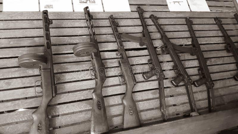 De machinepistolen rekken hoogtepunt van mooi Sovjet gemaakt vakmanschap royalty-vrije stock fotografie