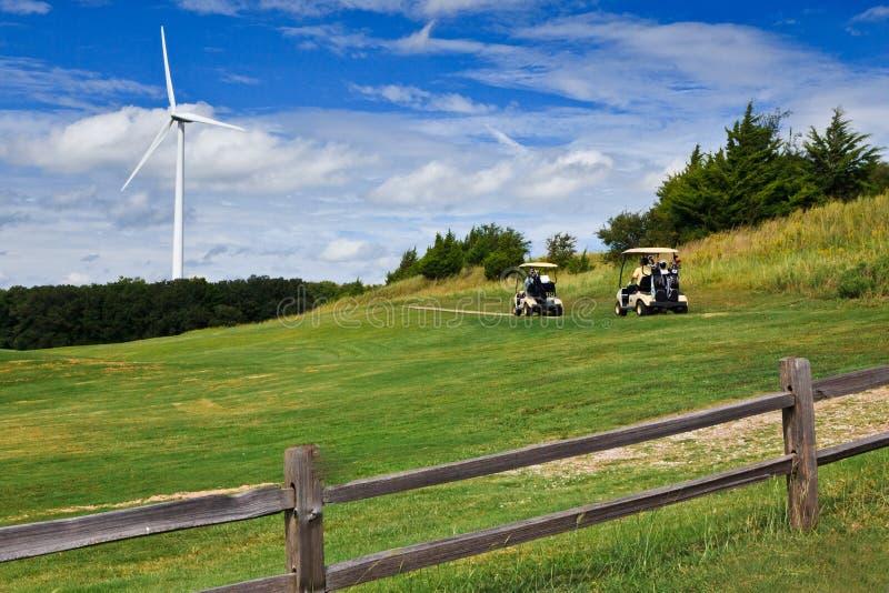De macht van de wind op een golfcursus. stock fotografie