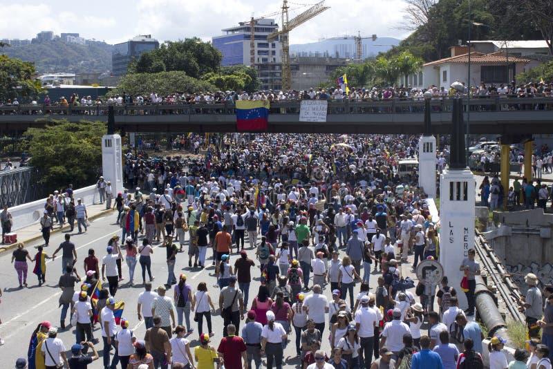 De machtsbesnoeiingen van Venezuela: De protesten breken in Venezuela over elektriciteitspanne uit royalty-vrije stock foto