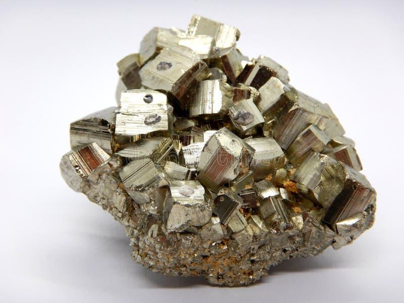De macro van het pyrietkristal, sulfidemineraal royalty-vrije stock fotografie