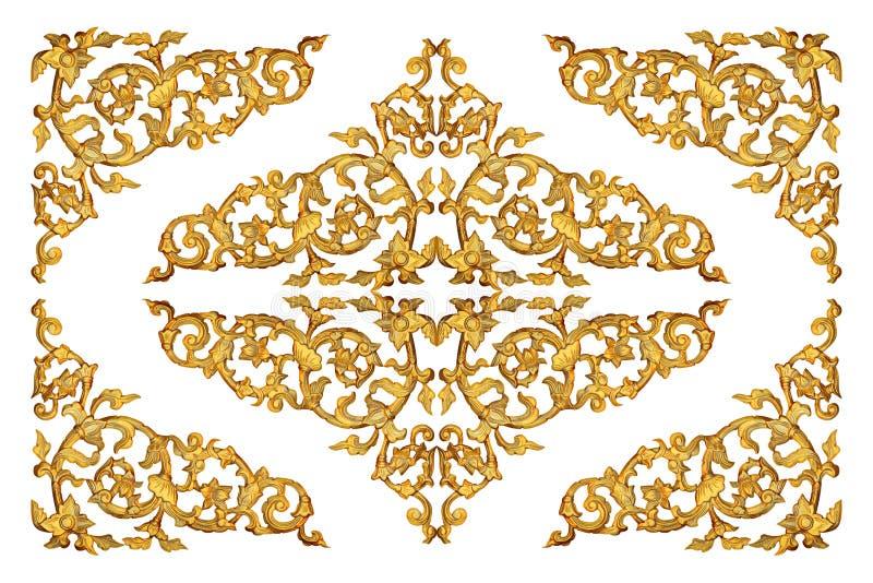 De madeira do ouro cinzelado isolado no branco foto de stock
